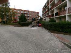 Rekonstrukce zpevněných ploch na nám. 17.listopadu u budovy MĚKCP