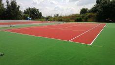 Výměna povrchu v tenisovém centru 2013