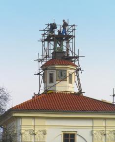 Oprava věžičky staré radnice prováděné vroce 2008