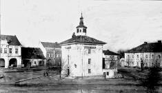 Novobenátecké Husovo náměstí roku 1898