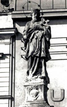 Socha sv.Jana Nepomuckého vroce 1955