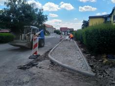 Rekonstrukce chodníku a veřejného osvětlení v ulici Pražská II.etapa
