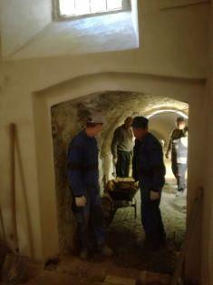 Stavební úpravy sklepa bývalé konírny